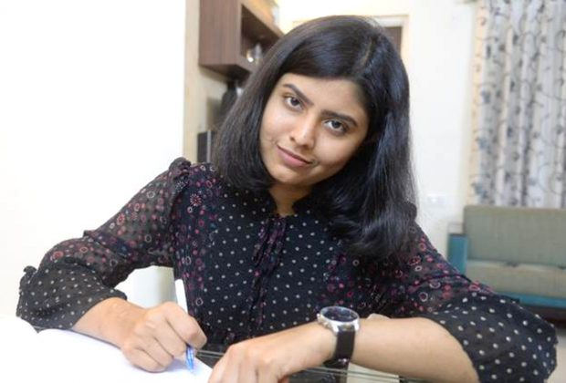 Pune-Woman-Undergoes-first-male-to-female-double-hand-transplant-in-Amrita-Hospital-02