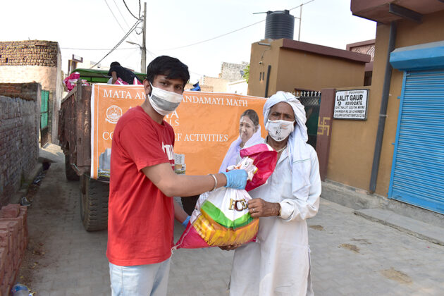 COVID-19-Relief-Projects-Led-by-AYUDH-Delhi-and-Amrita-Hospitals-06.jpg