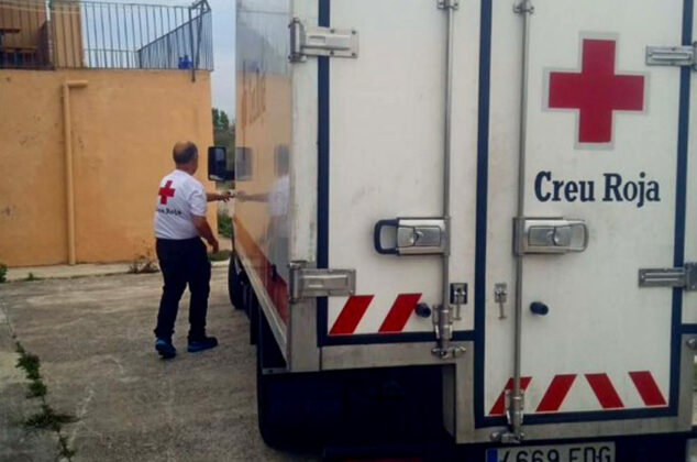 Red-Cross-Catalonia-honors-the-Amma-Foundation-of-Spain-for-supporting-people-in-need-during-COVID-19-05.jpg