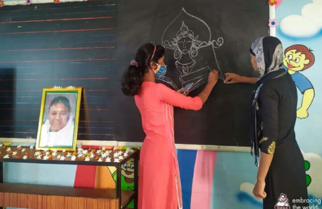 Amrita-PMKVY-continues-to-provide-skills-training-for-impoverished-youth-in-rural-India-03.jpg
